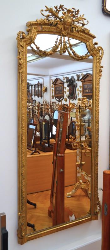 hofmobilien-zrcadlo
